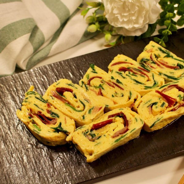 【レシピ】生ハムとニラの出汁巻き玉子
